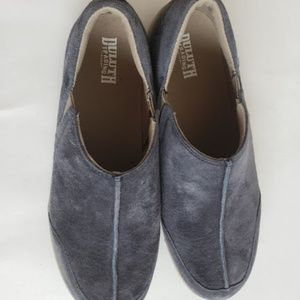 Duluth Trading Co Shoes - Duluth Trading Co suede comfort walking shoes
